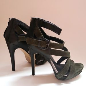 Dolce Vita Black Leather and Green Suede Pumps